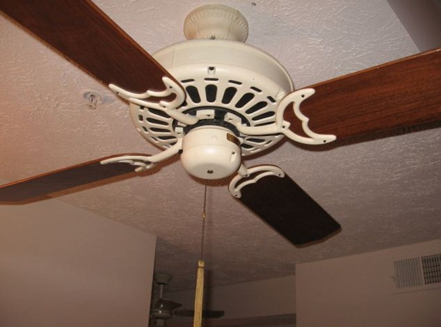 Old Ceiling Fans Reduce Your Battery Backup Time
